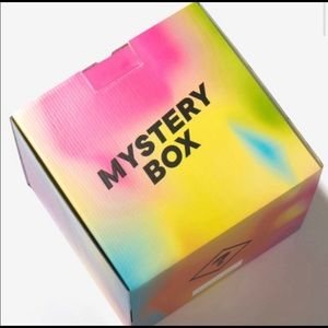 Mistery box 5 items x $25
